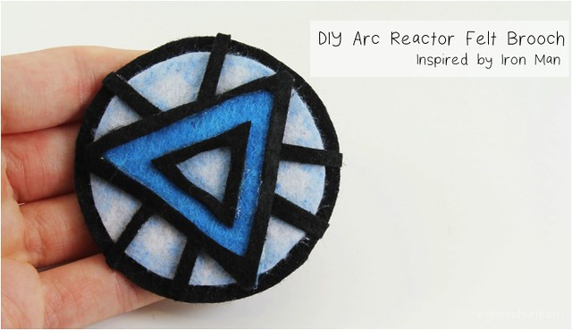 diy arc reactor brooch 1