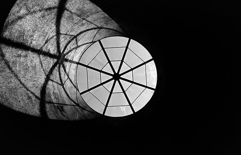 Geometry lessons... (a shadow play)