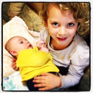 365/148 • DB is giving her new cousin Aubrey a bazillion snuggles - he is the divine result of @keiranlusk and @littleearthstories - delicious! • #3yo #baby #family #thesmallsandme
