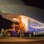 Unloading Supersonic Decelerator Test Device In Hawaii NASA LDSD 05 29 14