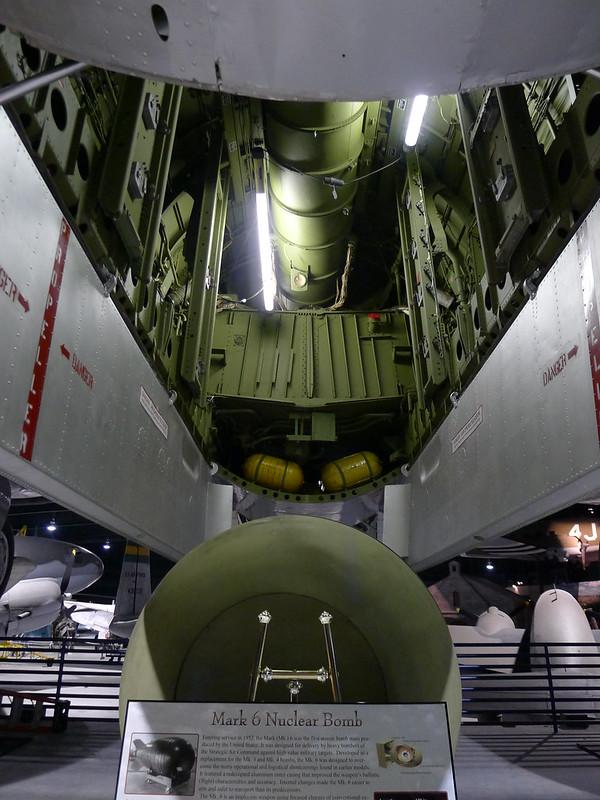 Bombenschacht B-29B & Mark 6 Nuclear Bomb