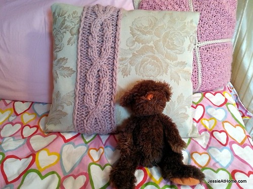Cabled-Cable-Pillow-Cover-Free-Knit-Pattern