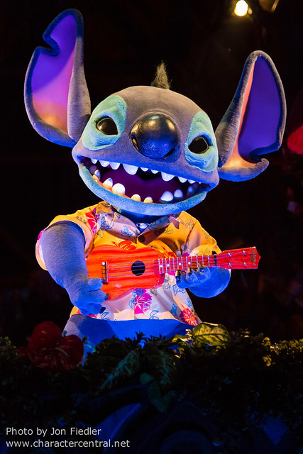 Tokyo May 2014 - The Enchanted Tiki Room: Stitch Presents Aloha E Komo Mai!