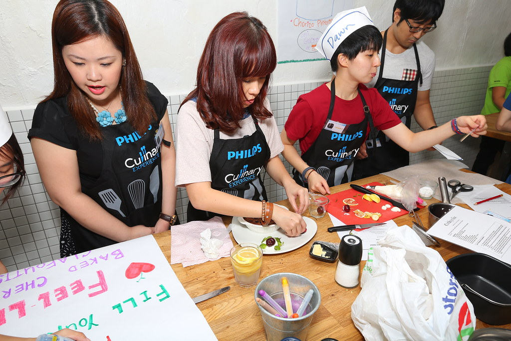 Preparing at the Make Sio Bak Using Philips Airfryer event