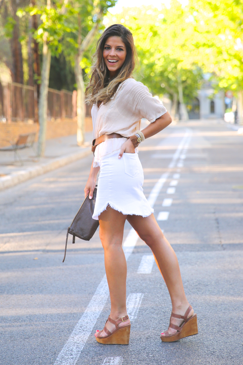 trendy_taste-look-outfit-street_style-ootd-blog-blogger-fashion_spain-moda_españa-white_skirt-falda_blanca-sandalias_cuña-wedged_sandals-14