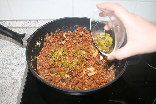 36 - Pepperoni dazu geben / Add pepperoni