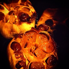 Roasted Garlic #quornflour #nomnom #foodie #food #garlic #vegan #vegetarian #noir