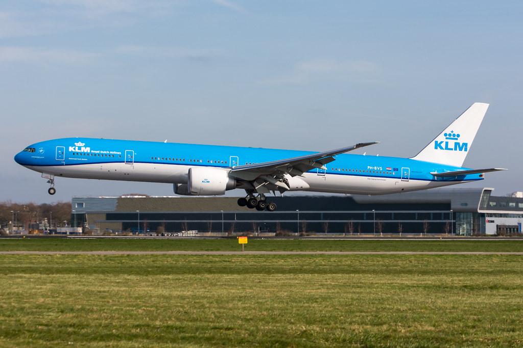PH-BVS - B77W - KLM