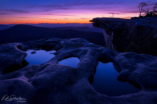 altitude earlymorning hiking sunrise purple mcafeeknob appalachiantrail virginia roanoke
