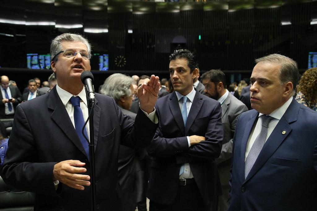 19 04 2017 - Paulo Abi-Ackel no Plenário discutindo projeto que suspende dívidas do Estados