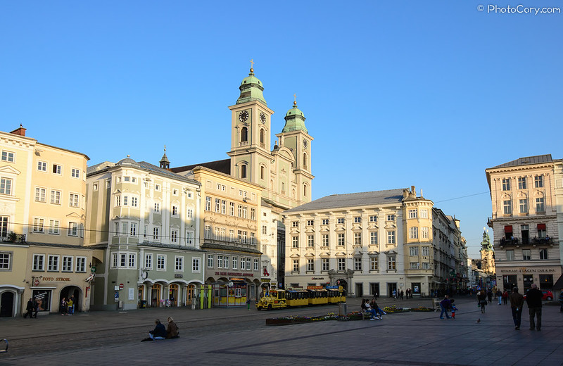 Main street, Linz, Old Dome