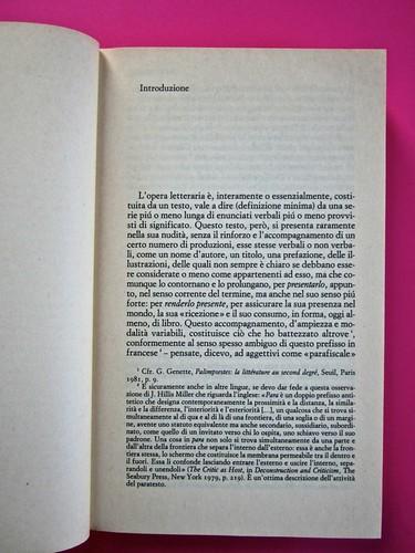Soglie, di Gérard Genette. Einaudi 1989. Responsabilità grafica non indicata [Munari]. Incipit dell'Introduzione: pag. 3 (part.), 1