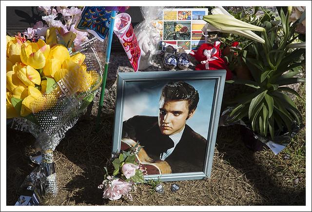 Elvis' Grave 3