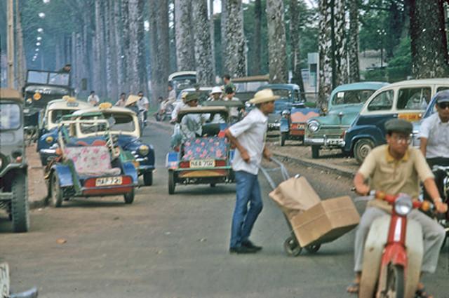 SAIGON 1968-69 - Đường Minh Mạng đoạn giữa Đại học xá Minh Mạng và ngã 6 Cholon