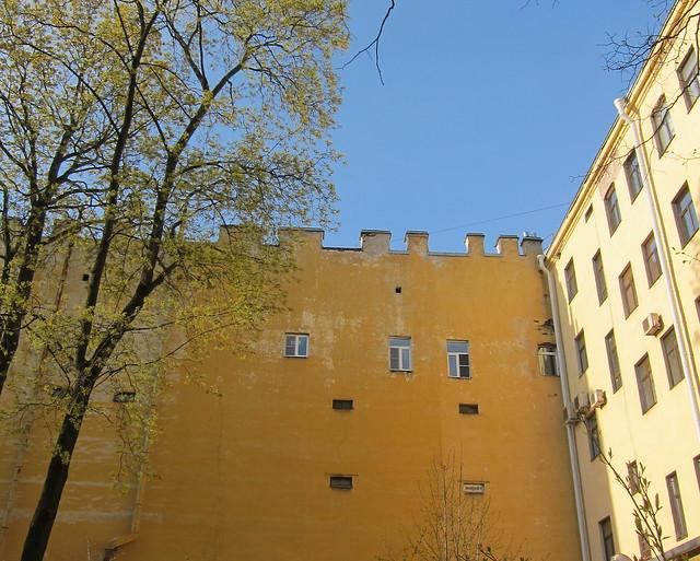 Anna Ahmatova-museon pihalla