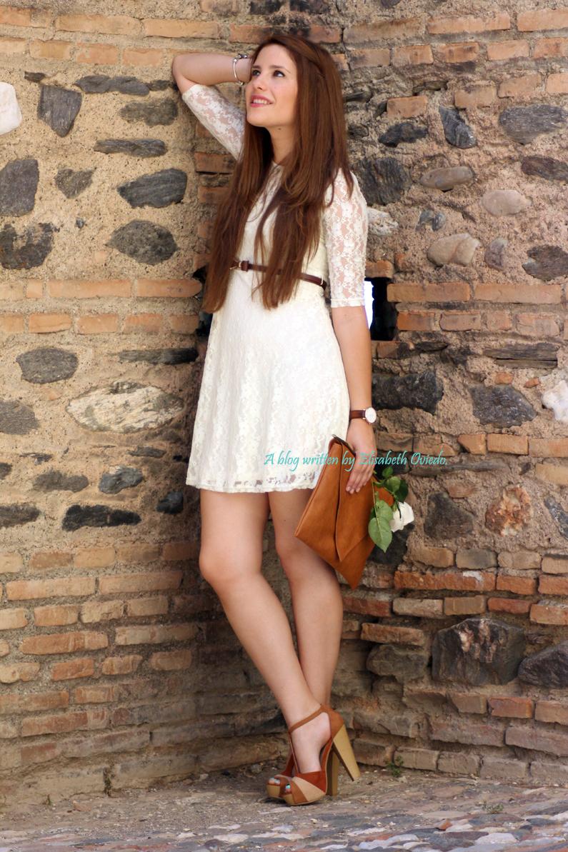 vestido-encajes-blanco-primavera-verano-clutch-pull-and-bear-HEELSANDROSES-(3)