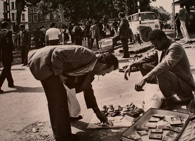 Commerce de rue à la Guillotière dans les années 70.
