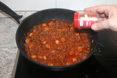 33 - Nochmals mit Gewürzen abschmecken / Taste with seasoning