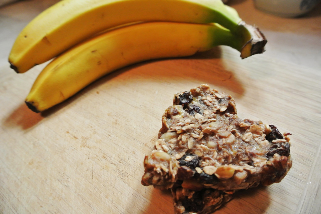 nutty banana oatmeal cookies, see more at http://homemaderecipes.com/healthy/healthy-oatmeal-chocolate-chip-cookies