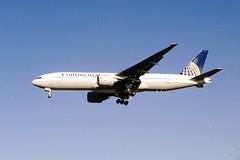 Continental Arilines Boeing 777-224(ER) (N78002/27578/165)