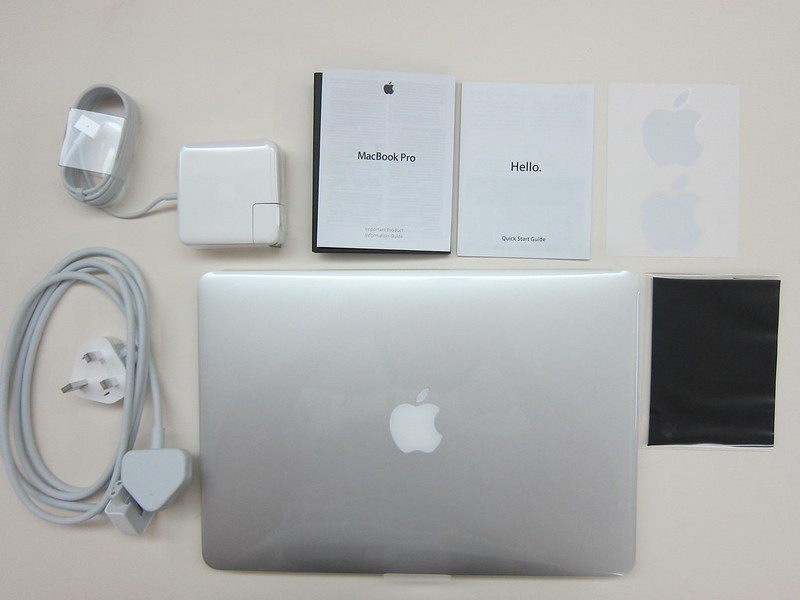Apple MacBook Pro Retina (Late 2013) - Box Content
