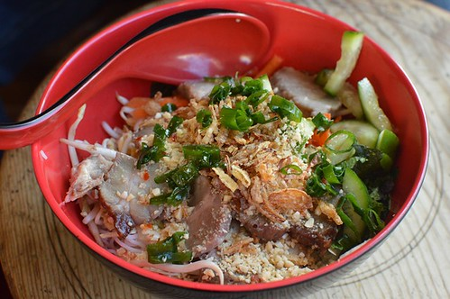 Great Aunty Three: Vermicelli noodle salad with lemongrass grilled pork
