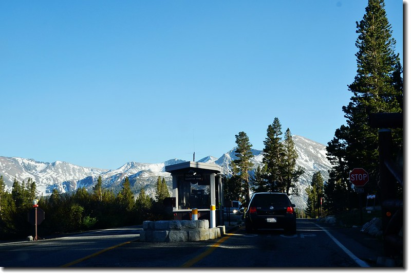 Tioga Road Entrance 1