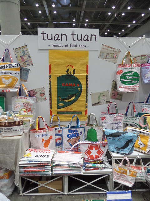 Tuan Tuan, Bags from Feedsacks