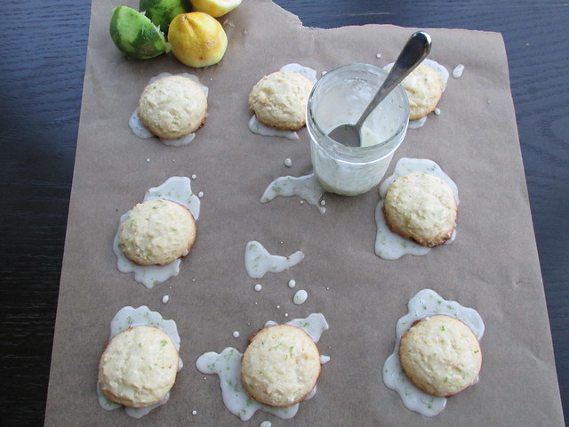 drizzled lemon cookies on twothirtyate.com