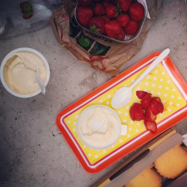 Fraises. Crème Crue. Sablés. Dessert on @chezlouloufrance Delicious #Normandy tour #Bayeux