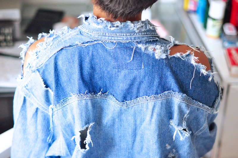 b2f3c905005 Once a denim area is destroyed enough with the grater use your hands to rip  open the shredded holes in the denim.