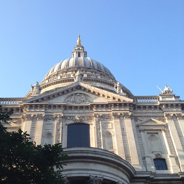 6:50am - looking up #stpauls #london