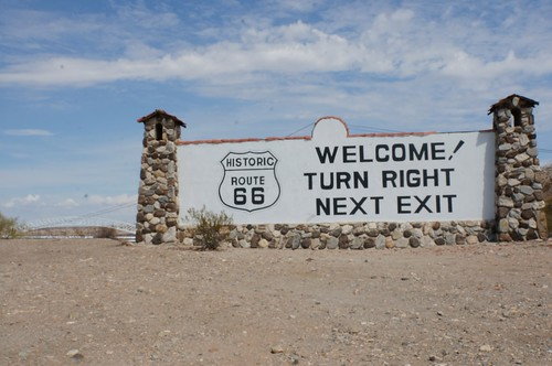 Old Stone billboard - Route 66 Welcome sign
