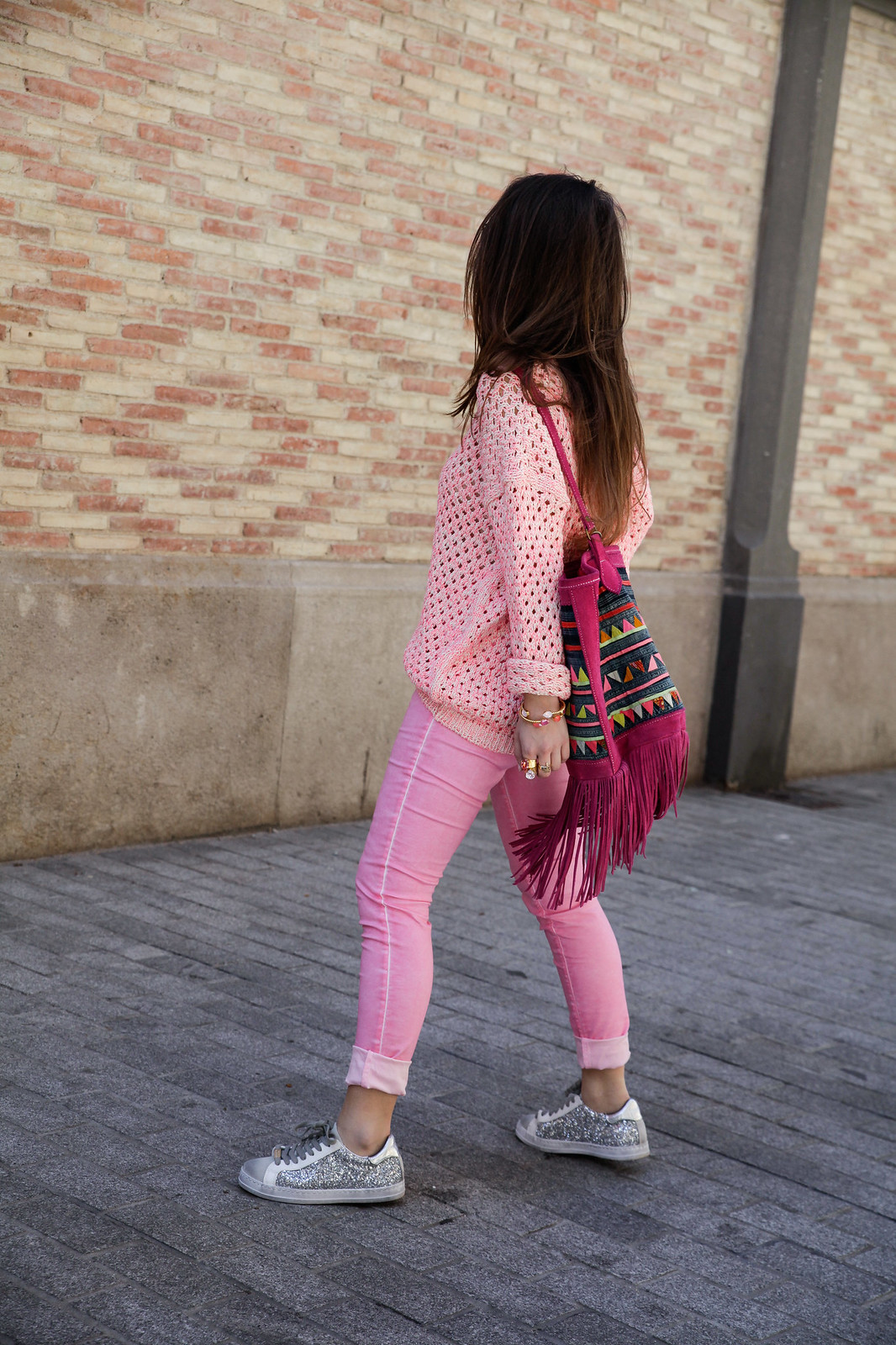 05_pink_look_with_rüga_streetsyle_barcelona_influencer_theguestgirl_spain