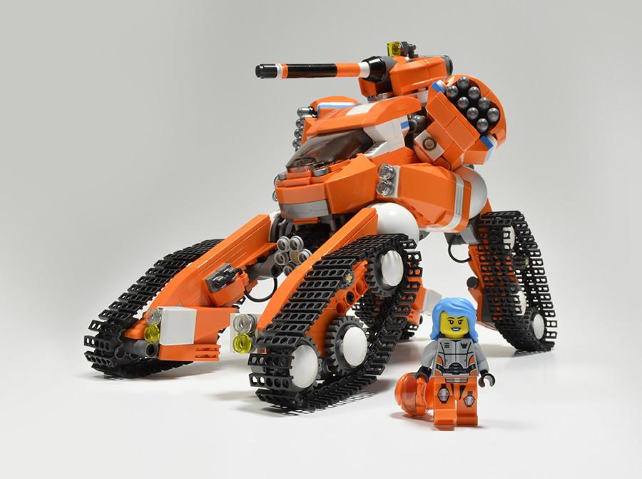 MDTDX Fiona Far (custom built Lego model)