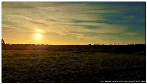Soleil couchant, sur Montbliart