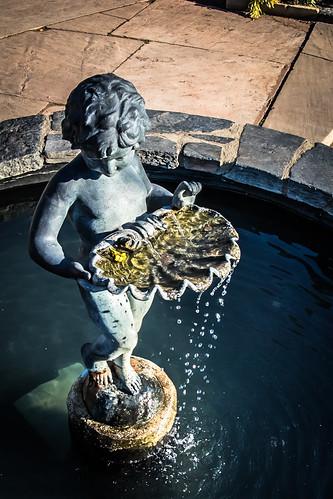 2016 dukegardens april sunset water statue