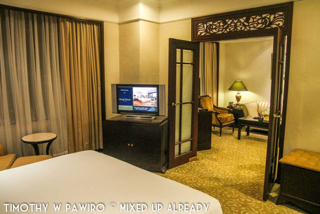 Philippines - Manila - Dusit Thani - Club Executive Suite - The bedroom - 2