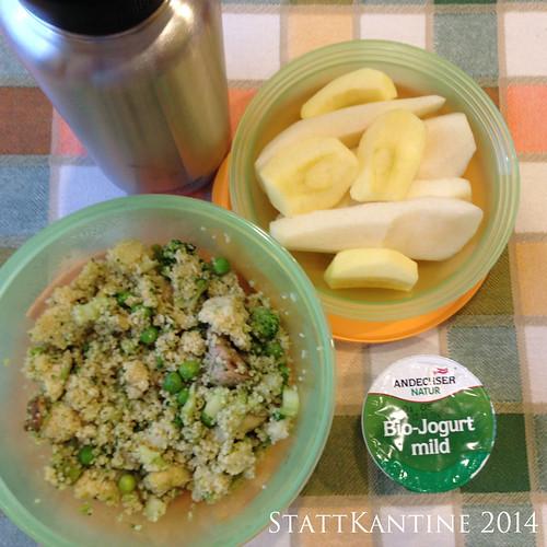 StattKantine 21.05.14 - Couscous-Salat, Joghurt, Birne, Apfel