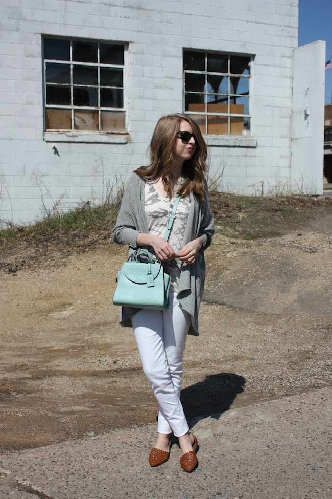 chelsea+lane+truelane+zipped+blog+minneapolis+fashion+style+blogger+lee+and+birch+levis+justfab+d'orsay+flats+kate+spade+saturday+mini+a+satchel+lily+and+violet+sweater3