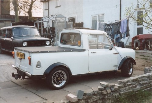 Mini Pickup White Mine 1