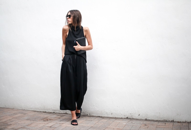 modern legacy blog street style culottes crop wide leg pants Camilla and Marc high neck assent funnel top all black outfit Alexander Wang bag Prisma envelope clutch slide sandals spring summer (7 of 16)