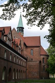 Cecilienhaus und Klosterkirche St. Marien