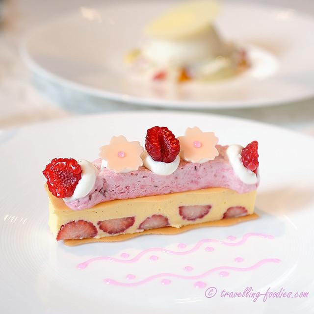 sakura raspberry icecream