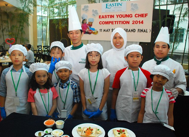 Junior Chefs with Eastin's Chef Halmee and Team