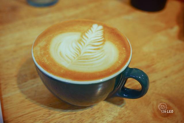 [新竹 東區]–隱身巷弄、不花大錢也能有精品可以喝–菡萏咖啡