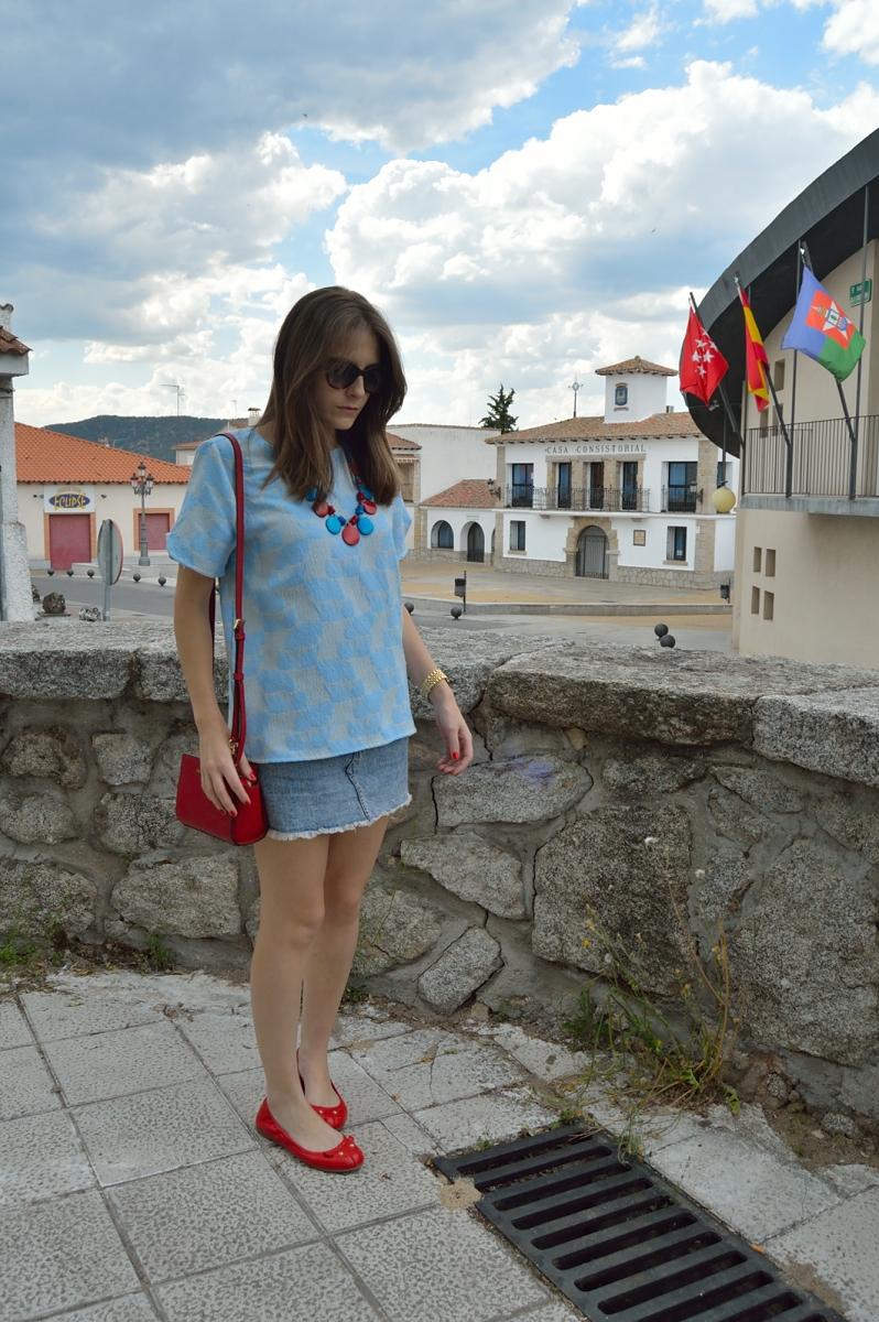 lara-vazquez-madlula-blog-style-blue-skirt