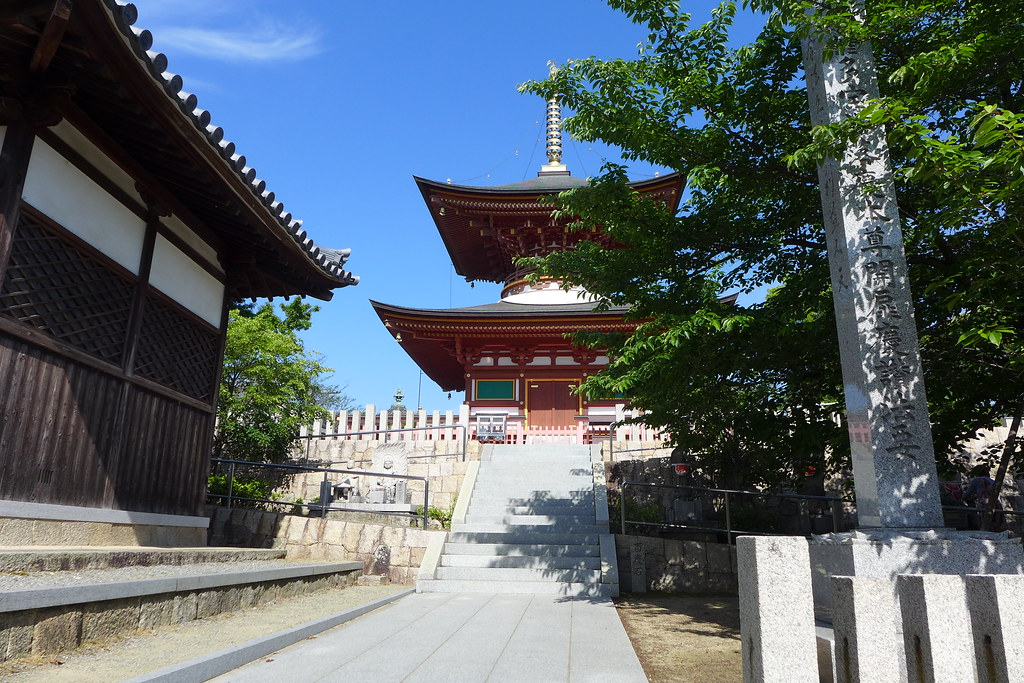 Kumeda temple (久米田寺)