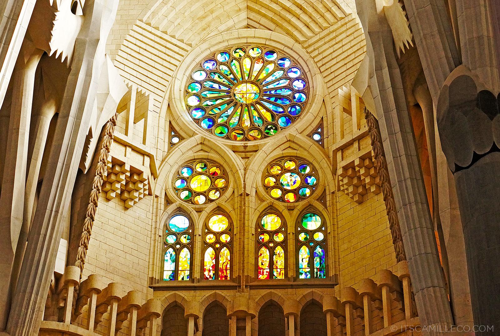 Barcelona la sagrada familia barri g tic and more for La sagrada familia interior