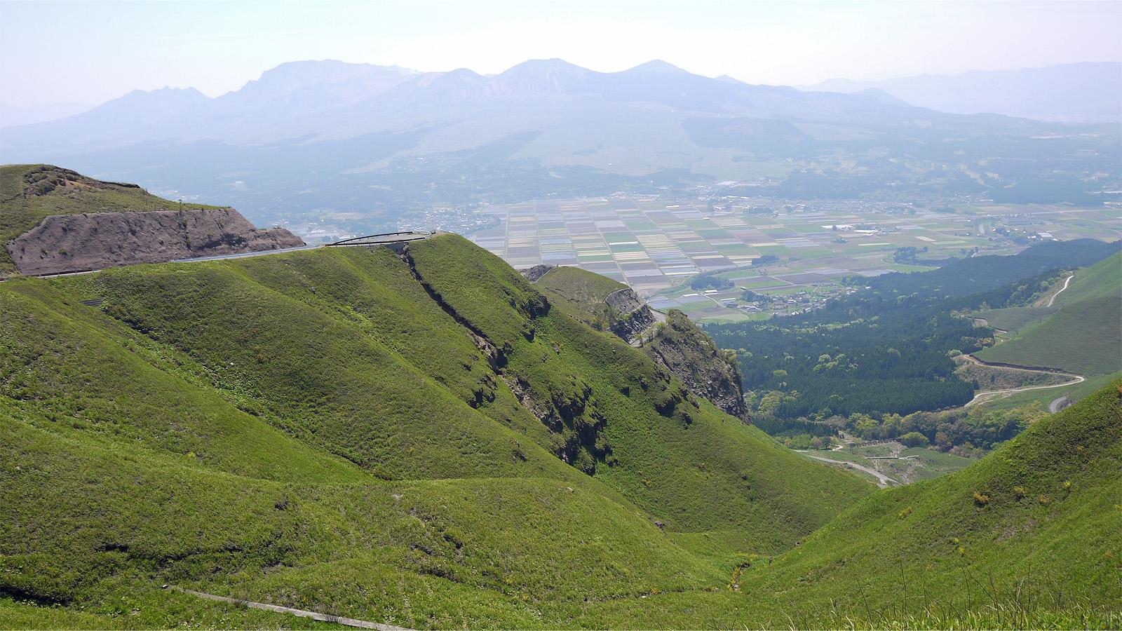 ラピュタの道 熊本県阿蘇市 福岡発 九州観光ガイド